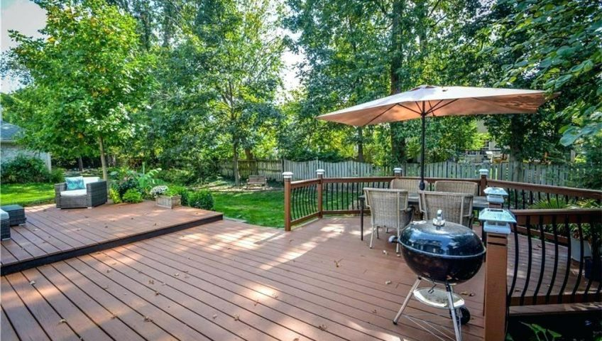 How to Create a Private Backyard Oasis On Your Property ...